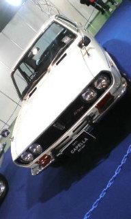 こういう古い車も